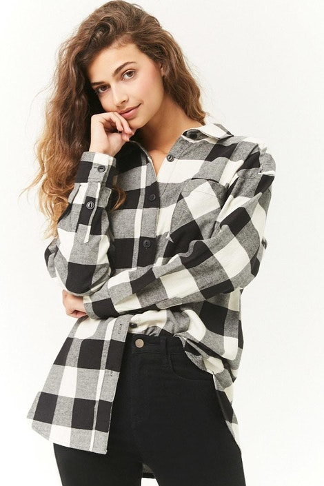 4af96ee9eb42 forever21 WOVEN TOP, Buffalo Plaid Longline Flannel Shirt for Women ...