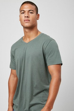 30fa873c236e76 Forever 21 Basic Tops - Buy Men Tees, Tank Tops Online | Forver 21